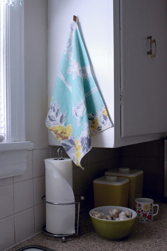 Repurposed Vintage Tablecloth to Dish Towel