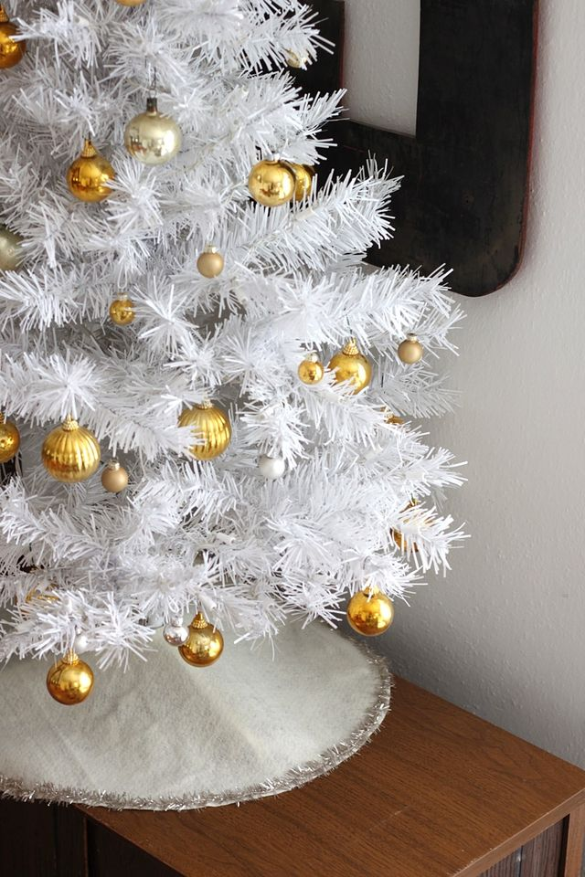 White and gold tree