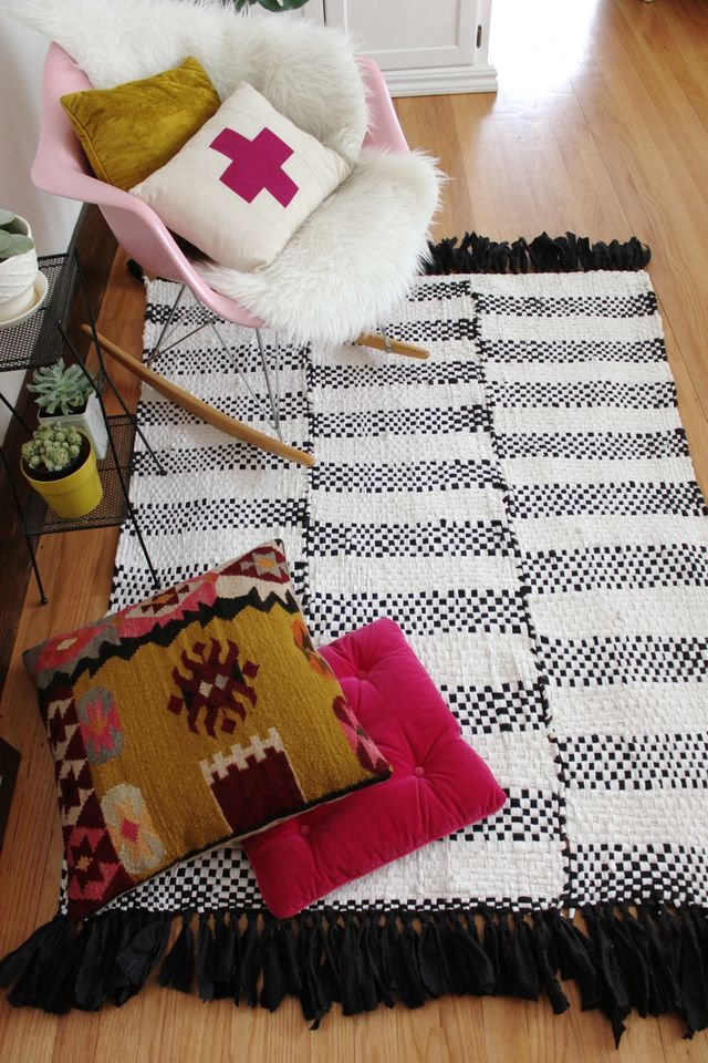Black and White Woven Rug DIY