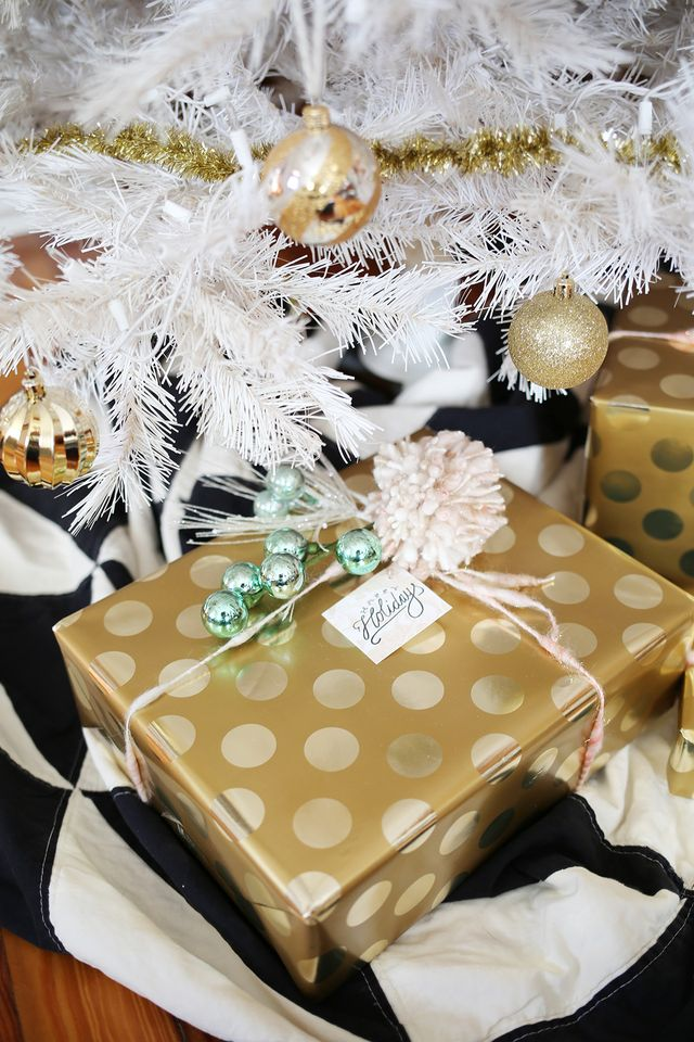 Free People gift tag printables to make your presents even prettier