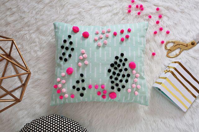 Abstract mini pom pom pillow tutorial