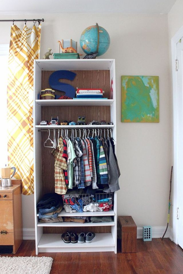 RentalTip1-Utilize a bookcase as a wardrobe