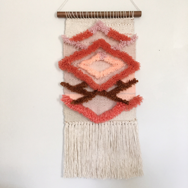 Weaving Woven Wall Hanging by Rachel Denbow of DIY Woven Art (15)