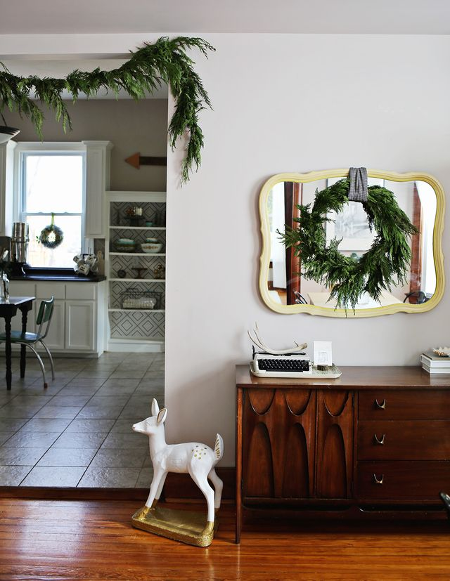 Dining Room Christmas Home Tour 1