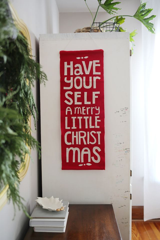 Felt banner diy with Christmas song lyrics