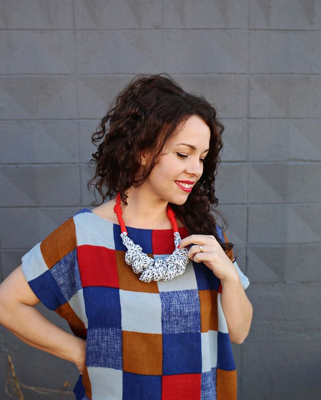Make your own statement necklace with fabric yarn! Get the easy step-by-step over at www.aBeautifulMess.com