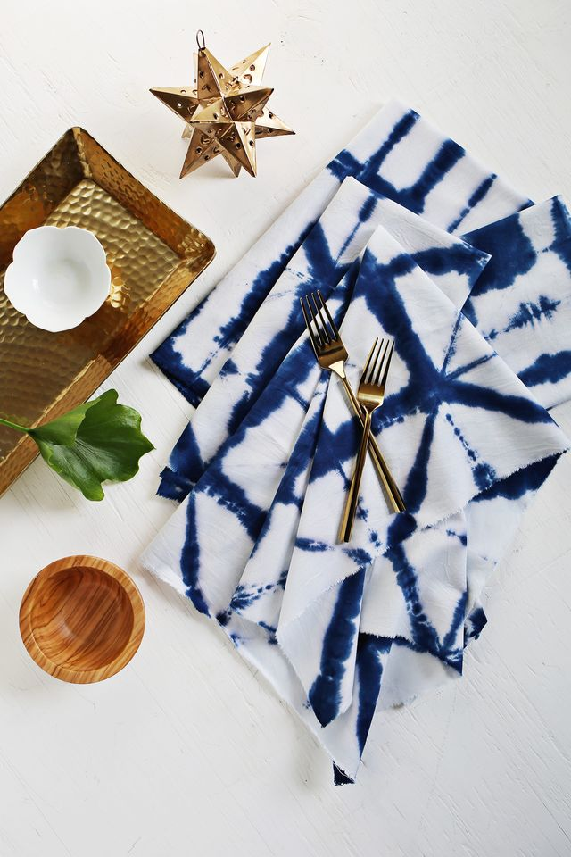 Dye your own shibori napkins with this simple tutorial over at www.fitness-4all.com