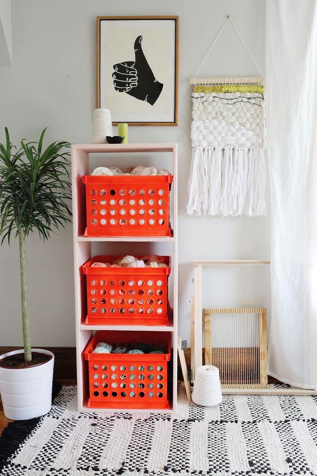 Bookshelf makeover with Glidden Complete-Stain Blocking, Paint and Primer on www.SmileandWaveDIY.com